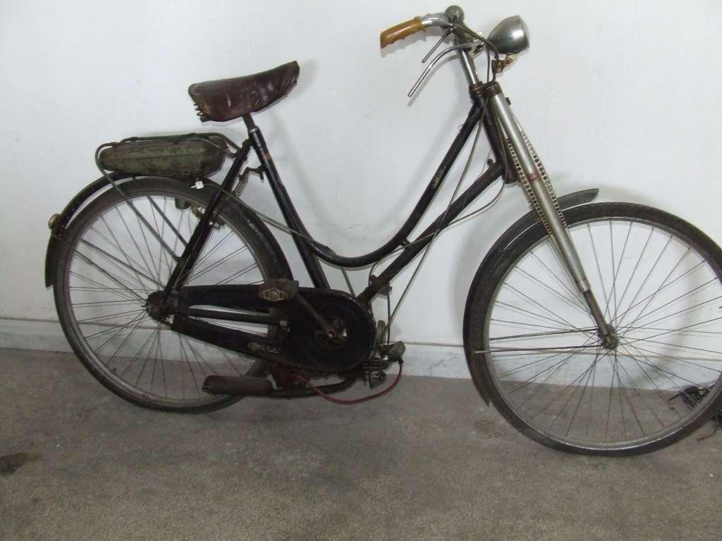 Bicicletta anni 60 con motore mosquito : illuminazione a led led